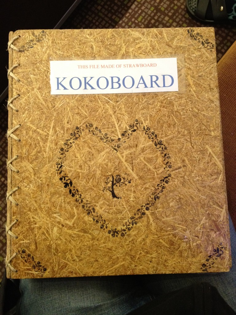 Folder made from rice straw by Koko